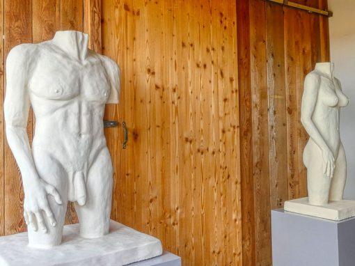 """Sandsteinplastiken – """"Männlicher & weiblicher Torso"""""""