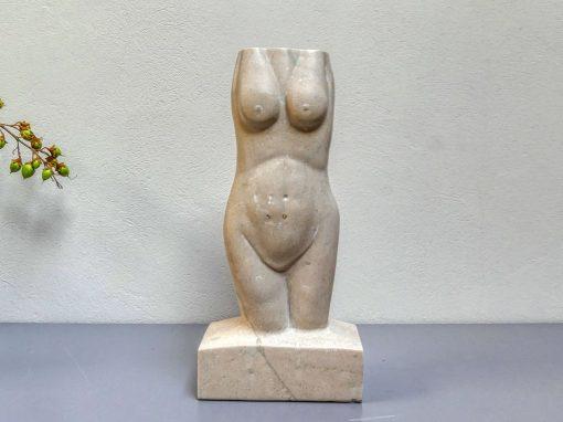 Weiblicher Torso aus Untersberger Marmor